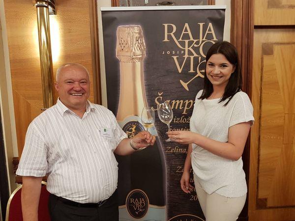 revija-vina-1