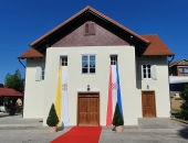 Biskup Šaško blagoslovio 'Spomen dom bl. Alojzija Stepinca' u Krašiću